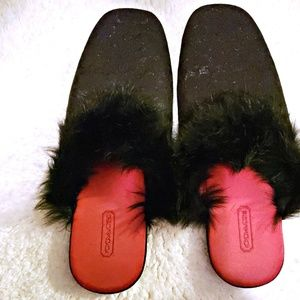 FAIRLY NEW COACH FUZZY SLIPPERS SIZE 7